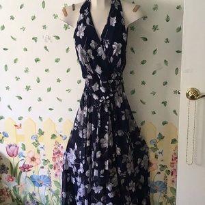 Leslie Fay fully lined chiffon maxi halter dress